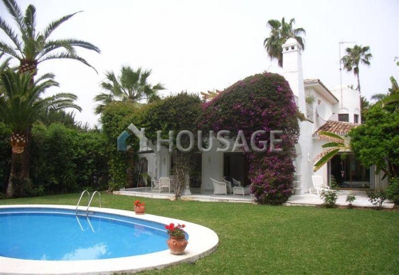Дом на Коста-дель-Соль, Испания, 1025 м2 - фото 1