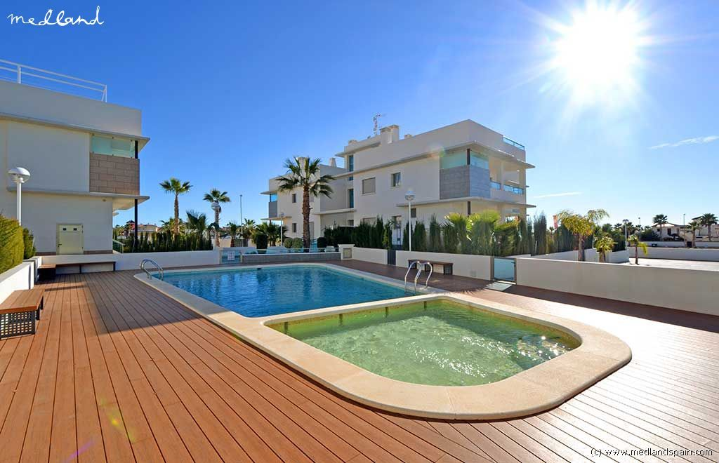 Апартаменты в Сьюдад-Кесада, Испания, 80 м2 - фото 1
