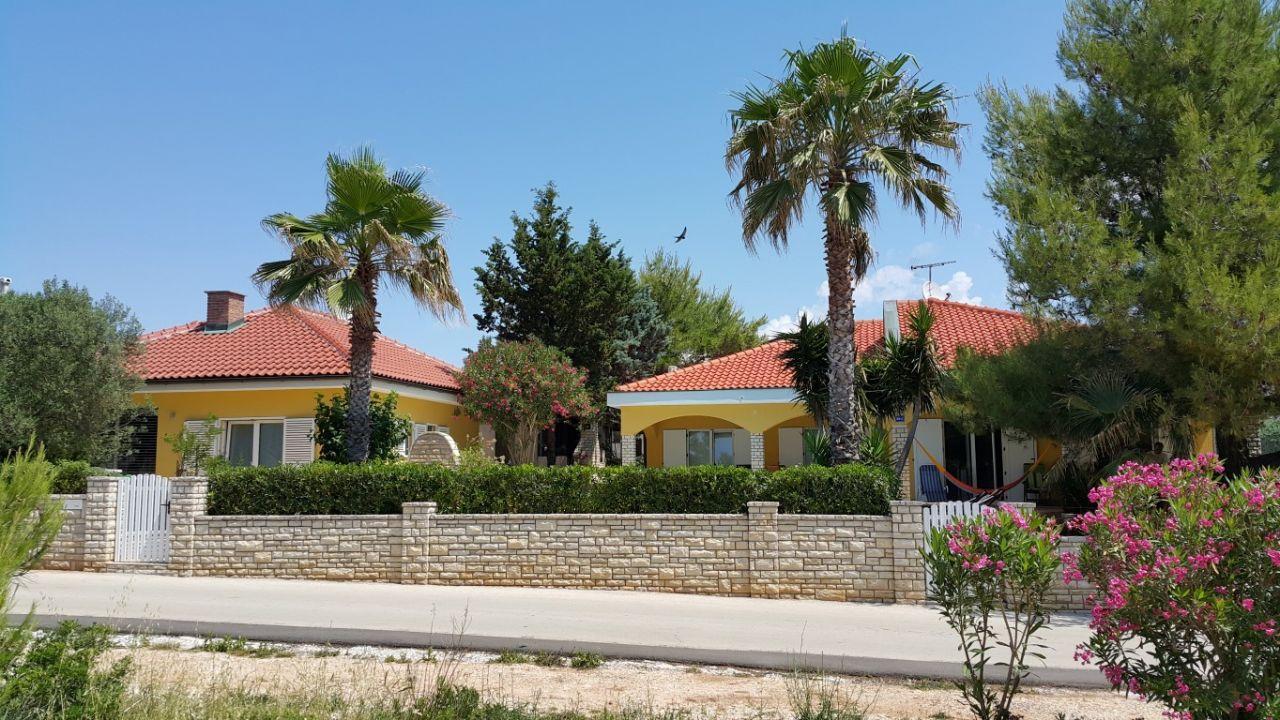 Дом в Задаре, Хорватия, 252 м2 - фото 1