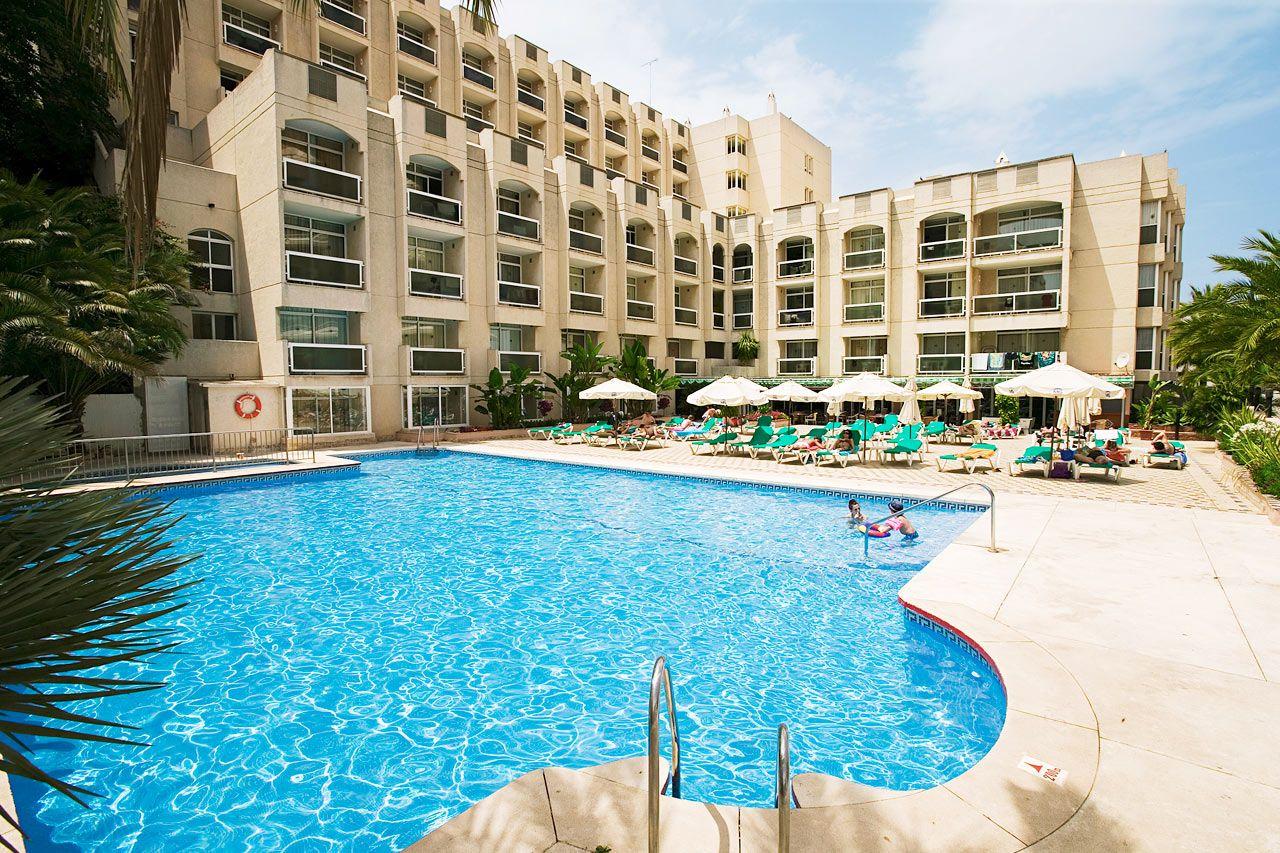 Отель, гостиница на Коста-дель-Соль, Испания, 3000 м2 - фото 1
