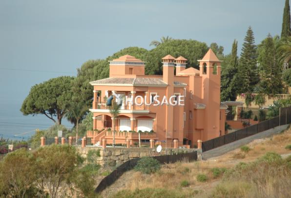 Отель, гостиница в Марбелье, Испания, 936 м2 - фото 1