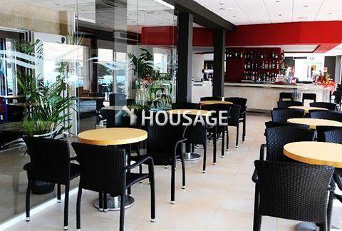 Отель, гостиница на Коста-Брава, Испания - фото 1