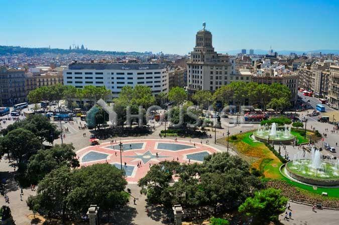 Коммерческая недвижимость в Барселоне, Испания, 2855 м2 - фото 1
