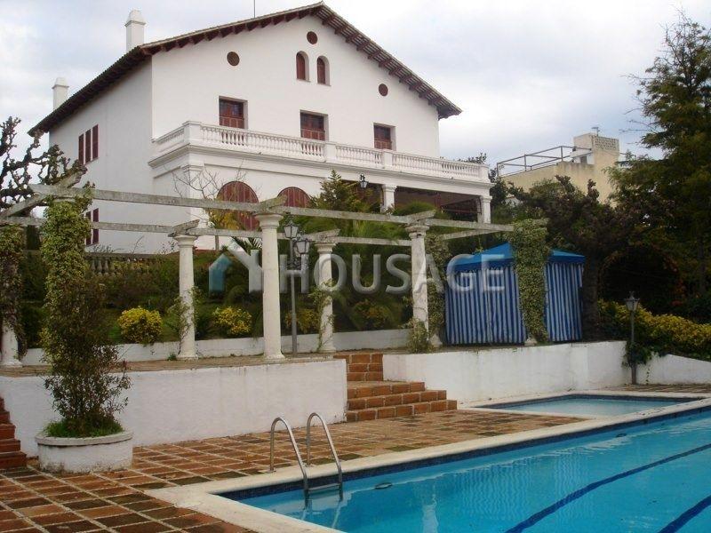 Коммерческая недвижимость на Коста-Брава, Испания, 985 м2 - фото 1
