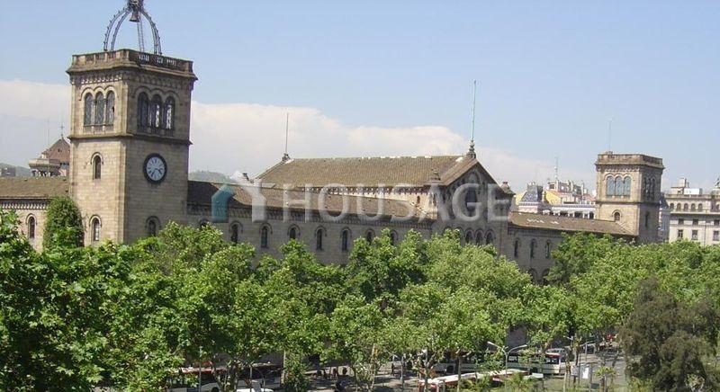 Коммерческая недвижимость в Барселоне, Испания, 205 м2 - фото 1