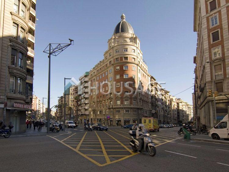 Доходный дом в Барселоне, Испания, 2618 м2 - фото 1