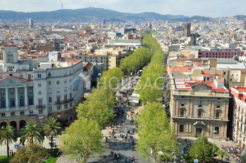 Магазин в Барселоне, Испания, 276 м2 - фото 1
