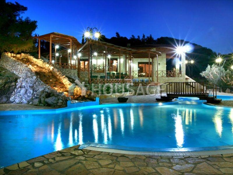 Вилла в Лутраки, Греция, 62002 м2 - фото 1