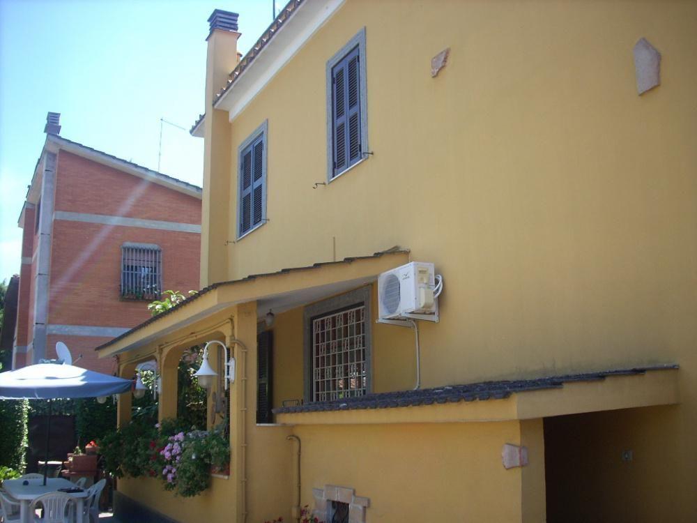 Вилла в Риме, Италия, 280 м2 - фото 1