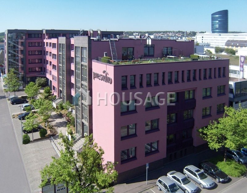 Офис в Штутгарте, Германия, 12400 м2 - фото 1