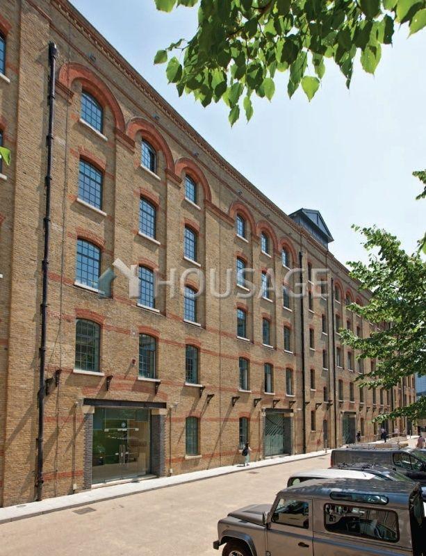 Коммерческая недвижимость в Лондоне, Великобритания, 7396 м2 - фото 1