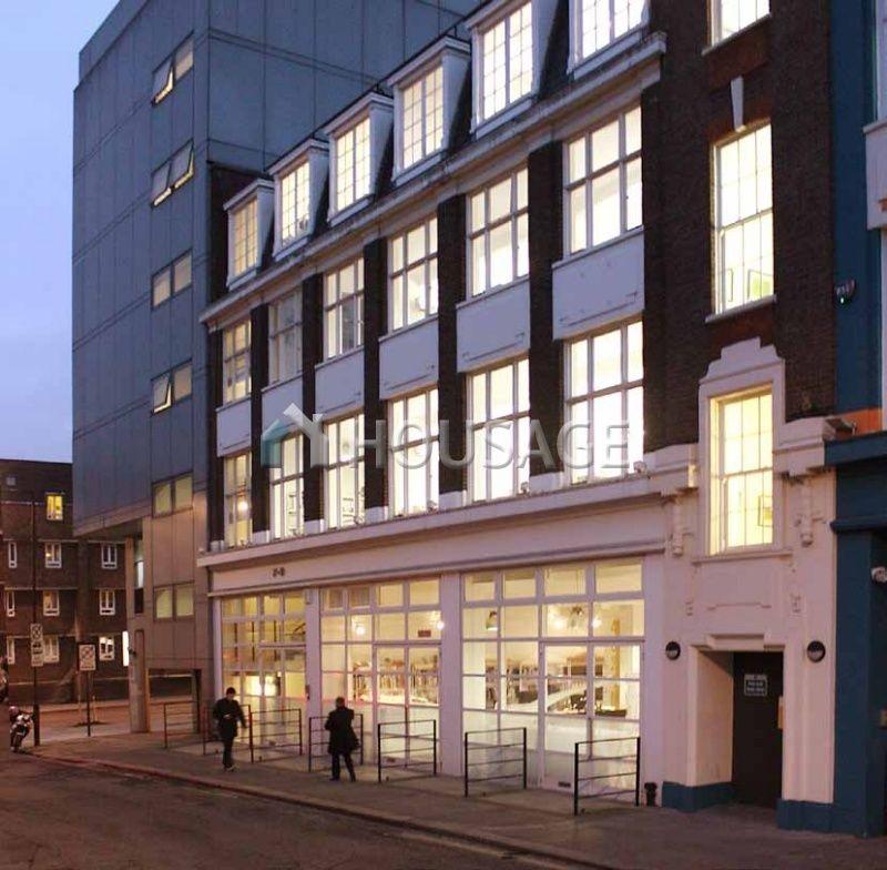 Коммерческая недвижимость в Лондоне, Великобритания, 1375 м2 - фото 1