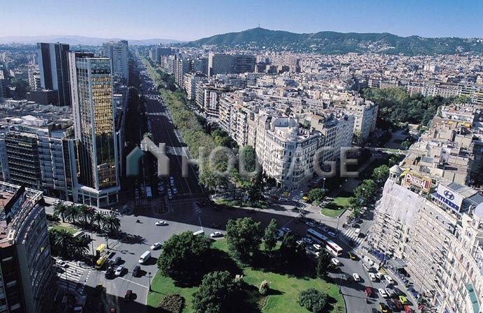 Коммерческая недвижимость в Барселоне, Испания, 606 м2 - фото 1