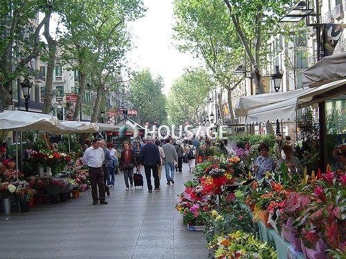 Коммерческая недвижимость в Барселоне, Испания, 220 м2 - фото 1