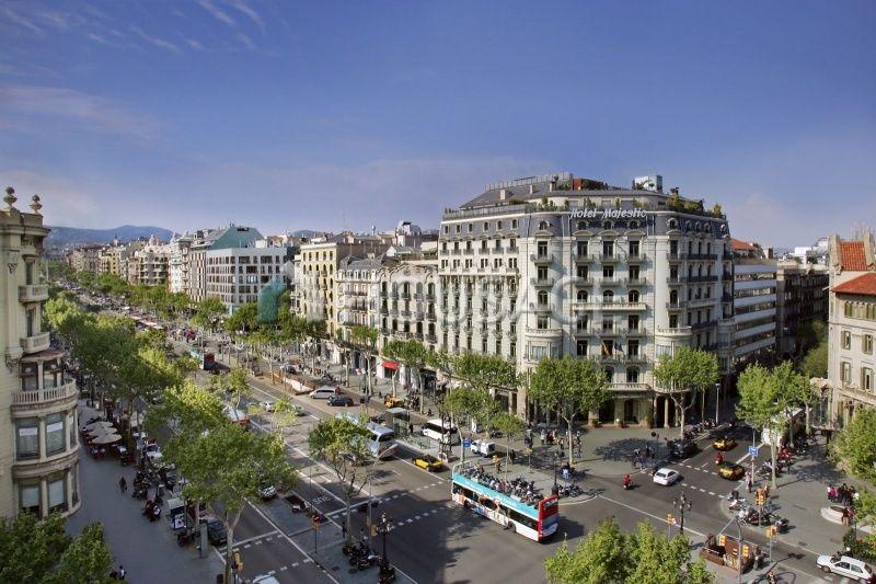 Магазин в Барселоне, Испания, 280 м2 - фото 1
