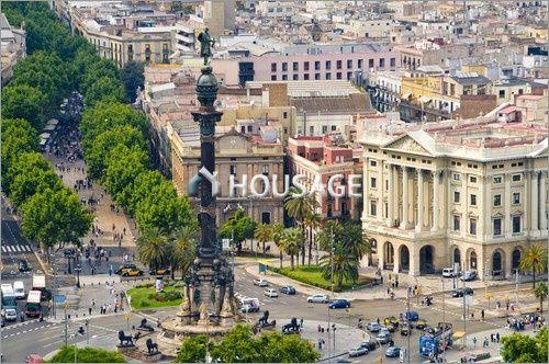 Коммерческая недвижимость в Барселоне, Испания, 450 м2 - фото 1