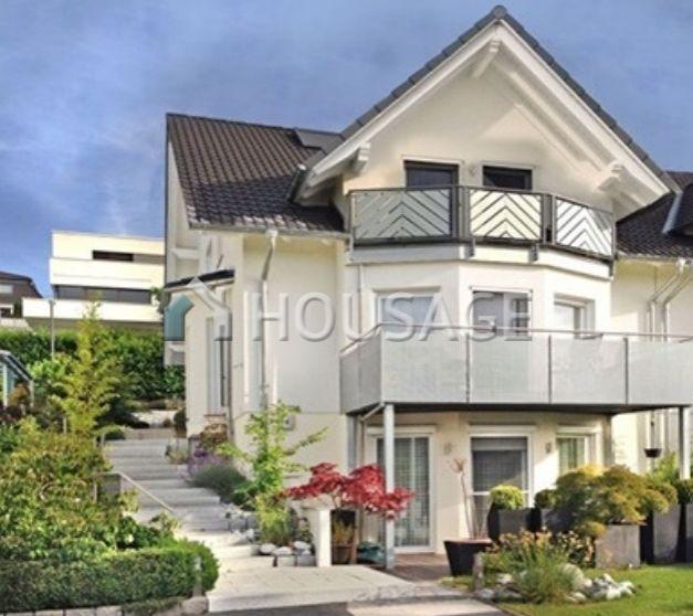 Дом во Франкфурте-на-Майне, Германия, 170 м2 - фото 1