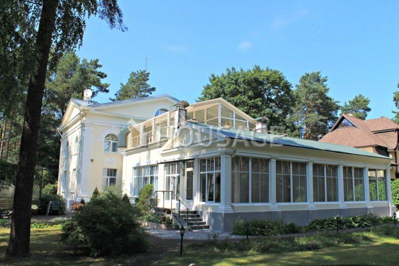 Дом в Риге, Латвия, 729 м2 - фото 1