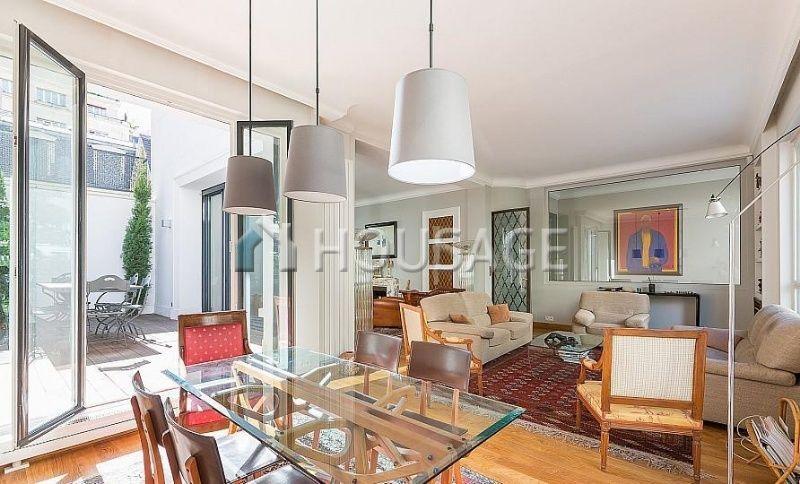 Дом в Париже, Франция, 370 м2 - фото 1