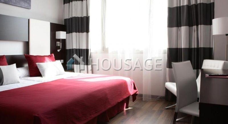 Отель, гостиница в Барселоне, Испания - фото 1