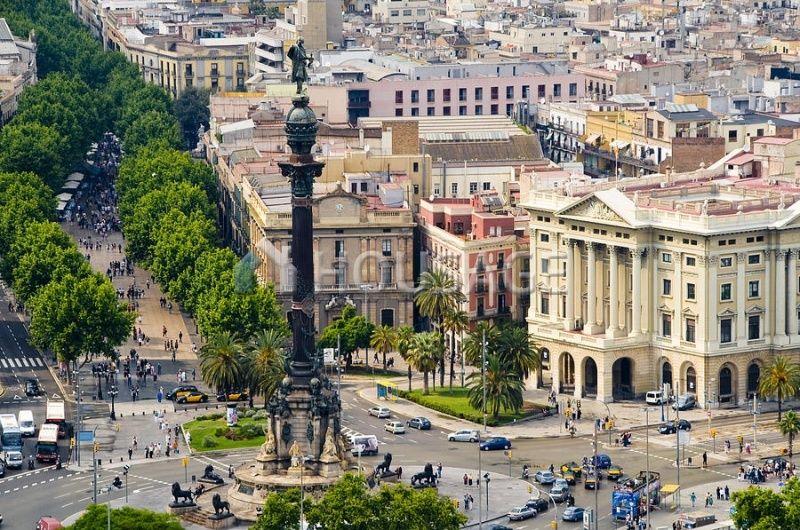 Отель, гостиница в Барселоне, Испания, 4649 м2 - фото 1