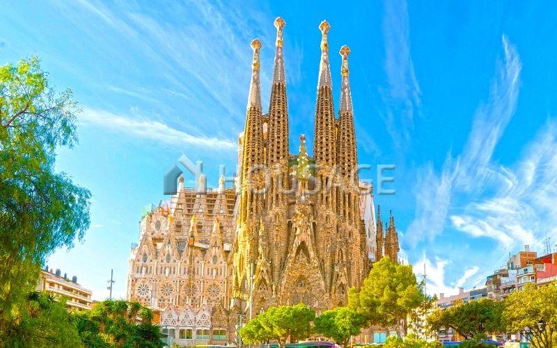 Коммерческая недвижимость в Барселоне, Испания, 1300 м2 - фото 1