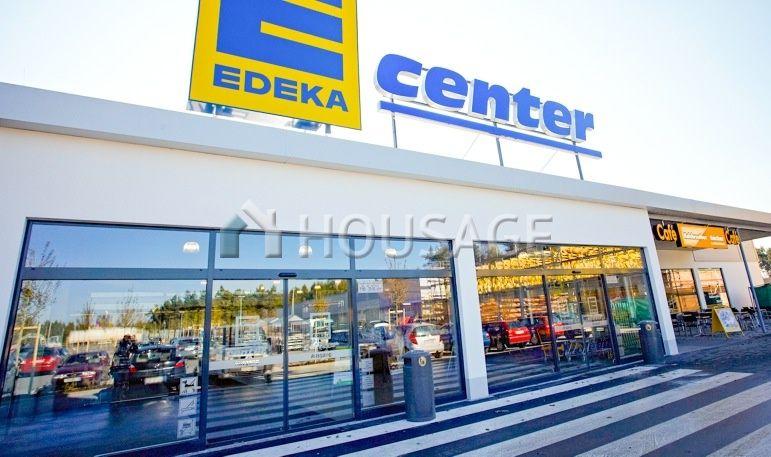 Магазин Саар, Германия, 3060 м2 - фото 1