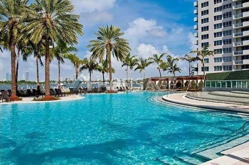 Квартира в Майами, США, 72 м2 - фото 1
