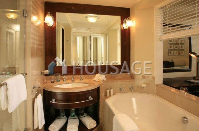 Отель, гостиница в Таррагоне, Испания, 2500 м2 - фото 1