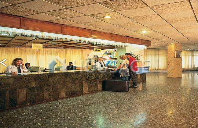 Отель, гостиница в Таррагоне, Испания, 43000 м2 - фото 1