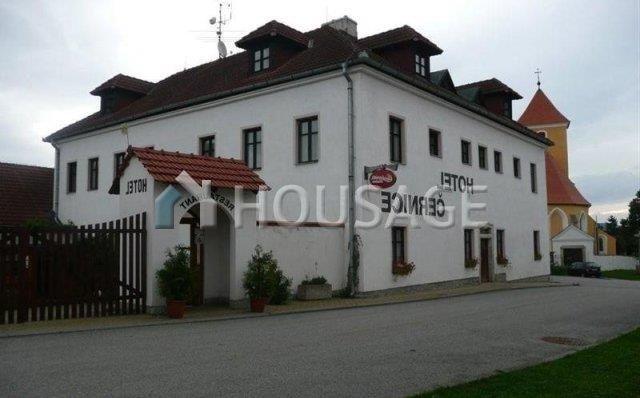 Отель, гостиница в Южночешском Крае, Чехия, 1047 м2 - фото 1