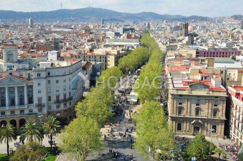 Доходный дом в Барселоне, Испания, 1028 м2 - фото 1