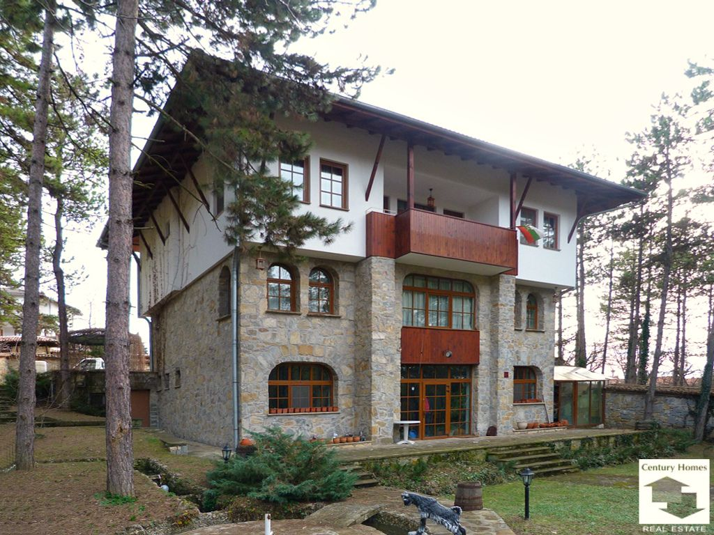 Дом в Велико Тырново, Болгария, 1214 м2 - фото 1