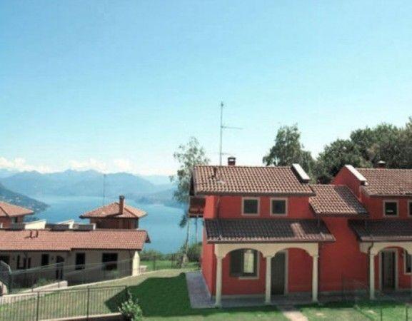 Дом у озера Маджоре, Италия, 100 м2 - фото 1