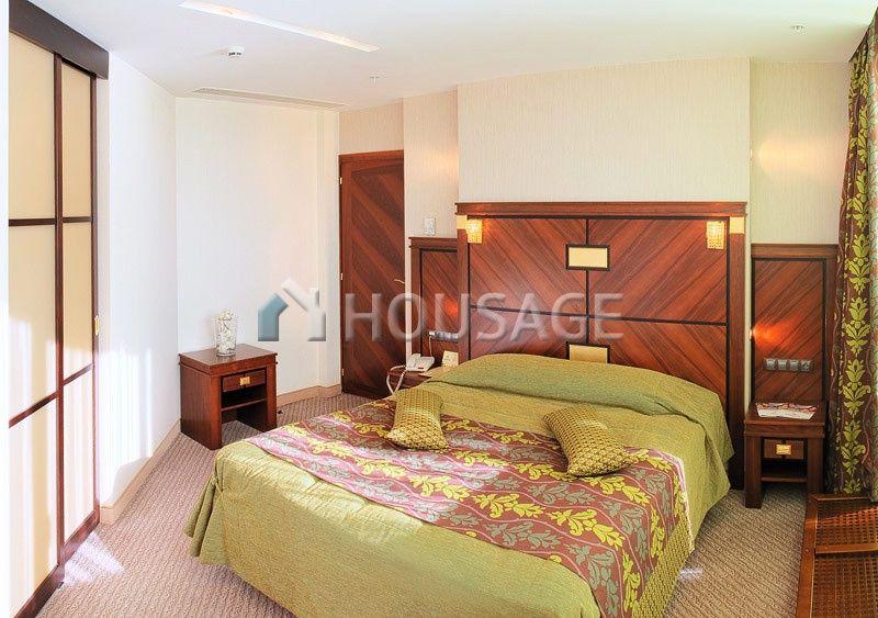 Отель, гостиница в Барселоне, Испания, 2190 м2 - фото 1