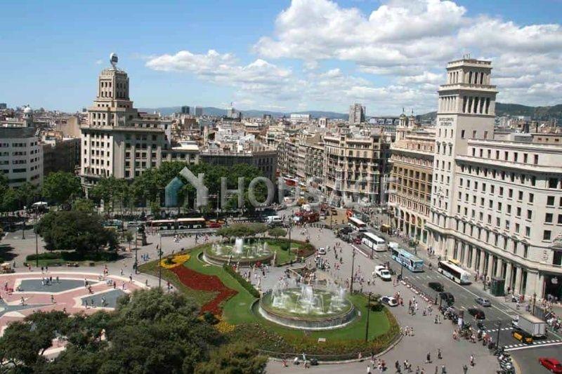Коммерческая недвижимость в Барселоне, Испания, 399 м2 - фото 1