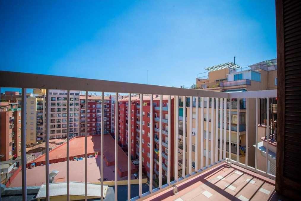 Квартира в Барселоне, Испания, 94 м2 - фото 1