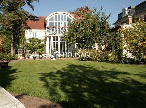 Дом в Потсдаме, Германия, 1486 м2 - фото 1