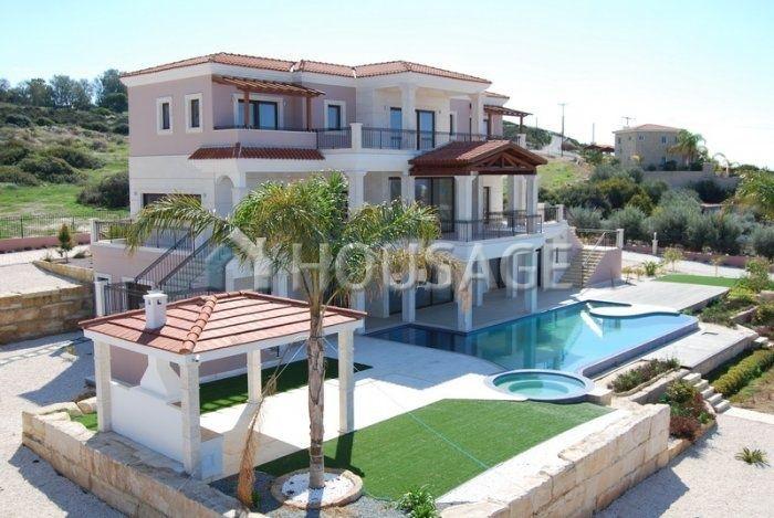 Вилла в Пафосе, Кипр, 950 м2 - фото 1