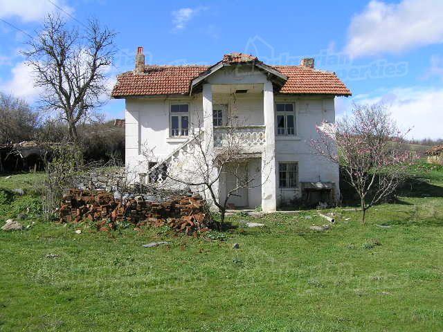 Дом в Ямболе, Болгария, 1810 м2 - фото 1