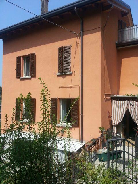 Дом у озера Комо, Италия, 400 м2 - фото 1