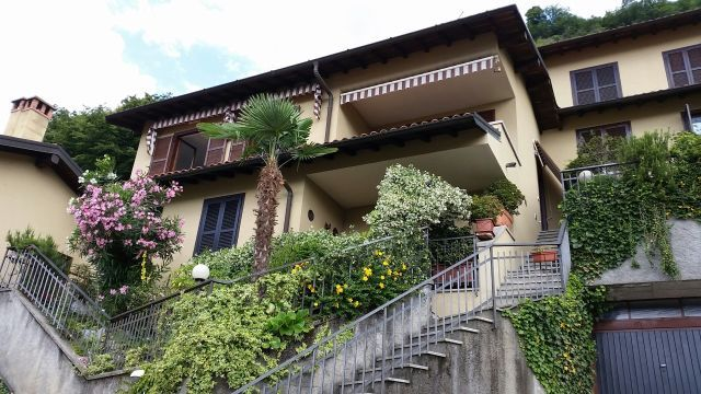 Квартира у озера Комо, Италия, 87 м2 - фото 1