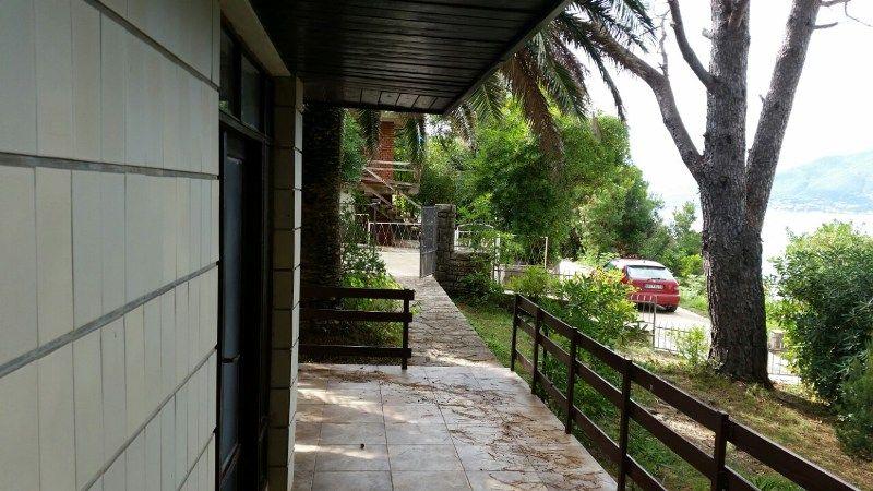 Дом в Тивате, Черногория - фото 1