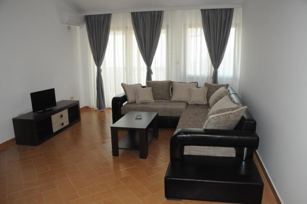 Доходный дом в Будве, Черногория, 1000 м2 - фото 1
