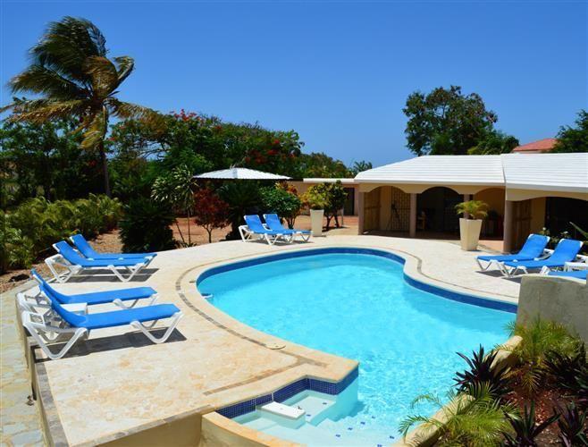 Отель, гостиница в Сосуа, Доминиканская Республика, 3000 м2 - фото 1