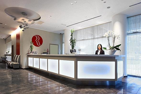 Отель, гостиница в Милане, Италия, 35000 м2 - фото 1