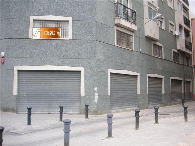 Коммерческая недвижимость в Аликанте, Испания, 551 м2 - фото 1