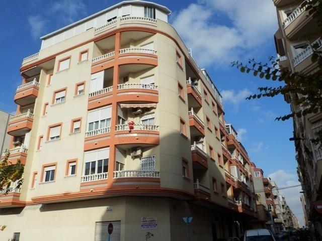 Коммерческая недвижимость в Торревьехе, Испания, 230 м2 - фото 1