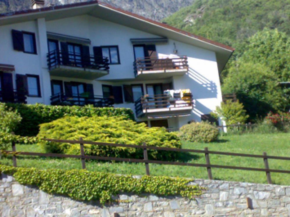 Апартаменты в Валле-д'Аоста, Италия, 55 м2 - фото 1