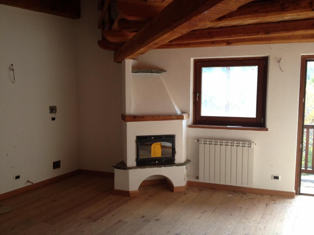 Апартаменты в Валле-д'Аоста, Италия, 65 м2 - фото 1